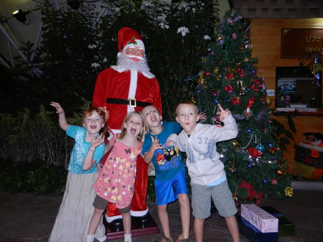 What is a zoo without Santa?
